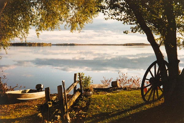 julyjune-mcewen-mississippi-lake