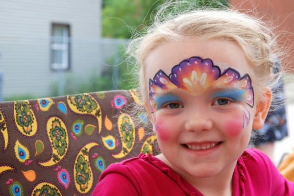 events_face-painting8_summer_tracy-lamb