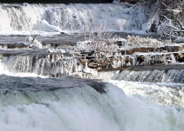 mill-falls-almonte-dec-2012_edited