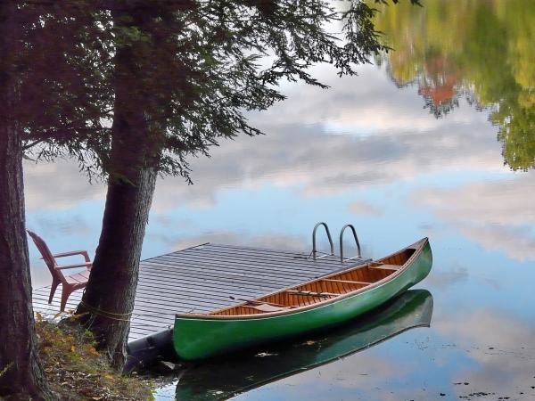 canoe_kayak_empty-canoe9_summer_simon-lunn