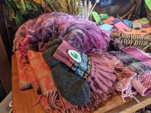 serendipity alpaca farm fleece store shop blanket gloves mittens yarn